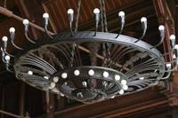 Haus Melanchthon Leuchter in der Aula - Foto Gauert.JPG