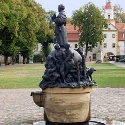 Stifelbrunnen Annaburg.jpg