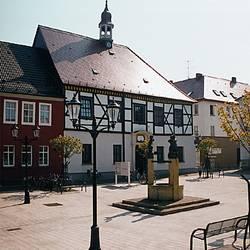 Gräfenhainichen Markt Foto lkwb.jpg