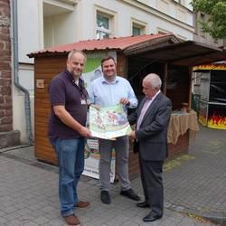 Warben auf dem Landesfest für die Dübener Heide - Torsten Gaber vom Naturparkhaus, Bürgermeister Enrico Schilling und Landrat Jürgen Dannenberg